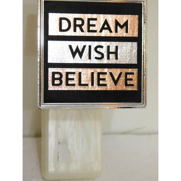 WALLFLOWERS DREAM WISH BELIEVE PLUG IN